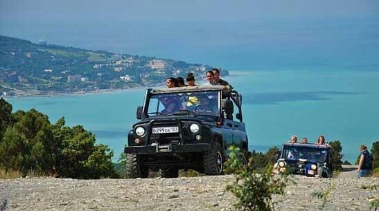 Поездка в горы на джипах в Кабардинке