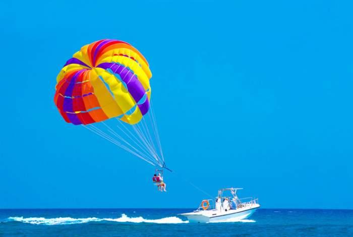 Воздушный-водный аттракцион – «Парашют» в Кабардинке