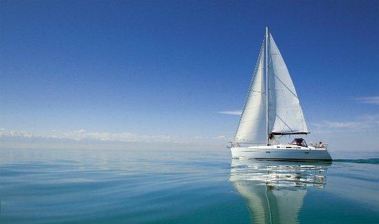 Морские прогулки на яхте в Кабардинке